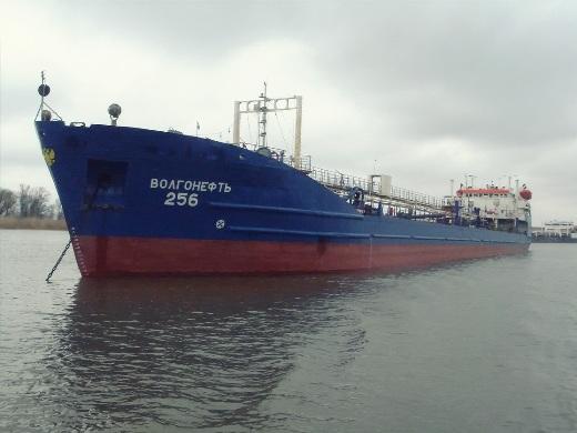На нефтяном танкере в